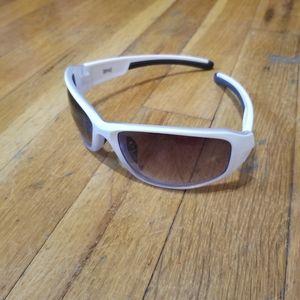Tapout Unisex white wrap sunglasses